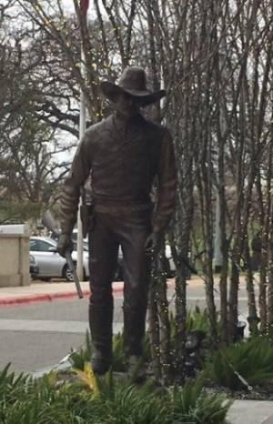 4 Statue Pic